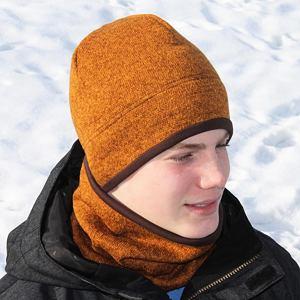 Zimní čepice svetrovina skořicová