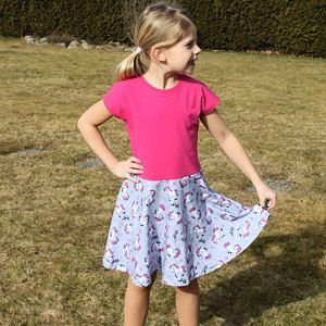 Letní šaty koníci