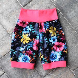 Letní kraťásky barevné květy