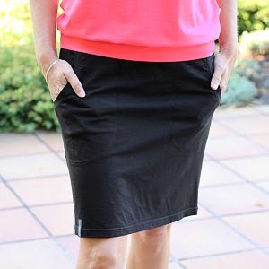 Přiléhavá sukně černá