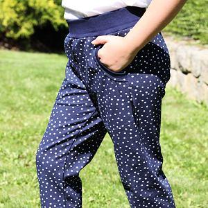 Letní kalhoty s puntíky
