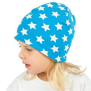 Zimní čepice bílé hvězdy na tyrkysové