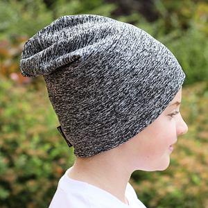 Zimní čepice šedý melír spadená