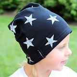 Čepice hvězdy na černé
