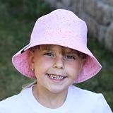 Letní dívčí klobouček. Letní bavlněný klobouček růžový.