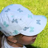 Letní kšiltovka s měkkým kšiltem motýlci na bílé ObleCzech